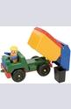 Боклукчийски камион с човек